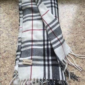 Foulard Carrote Light Weight Plaid Scarf